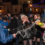 K - z fotami - PATRONAT - Huczne powitanie nowego roku 3 B